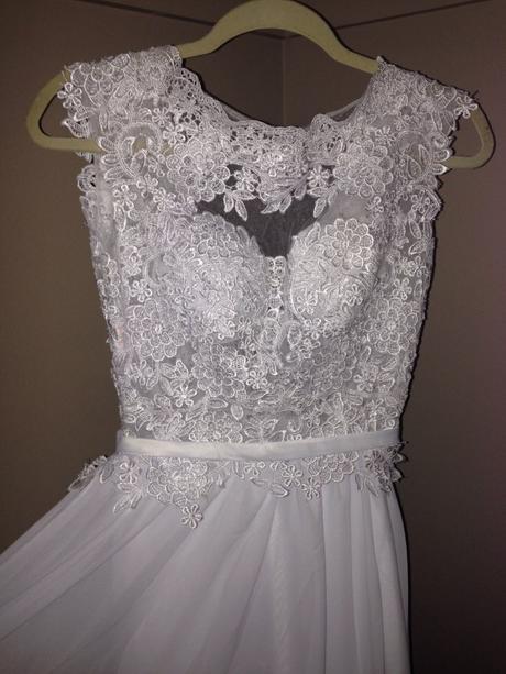 Nádherné romantické svadobné šaty s otvoreným chrb, 36