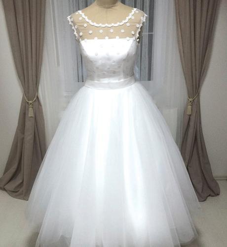 Retro svatební šaty, 38