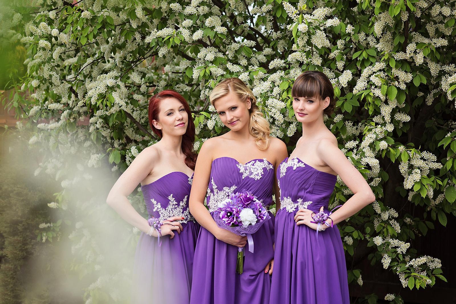 Společenské dlouhé fialové šaty elen 692d46ff24