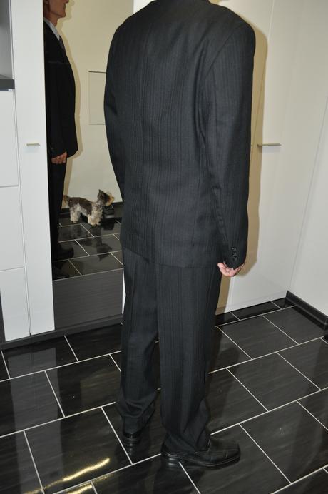 pánský černý oblek, 52
