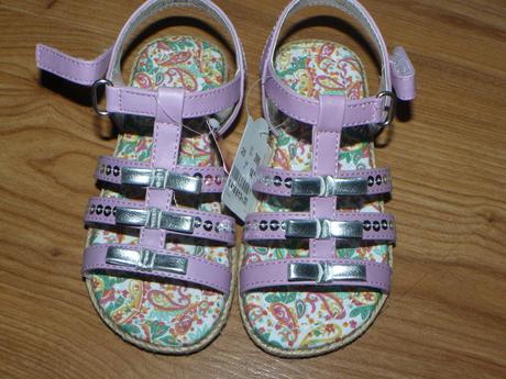 sandale, 25