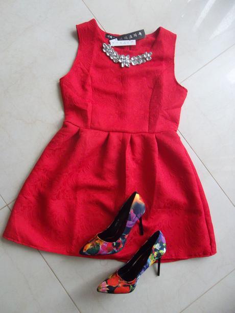 Šaty s odnímateľnou bižutériou, M