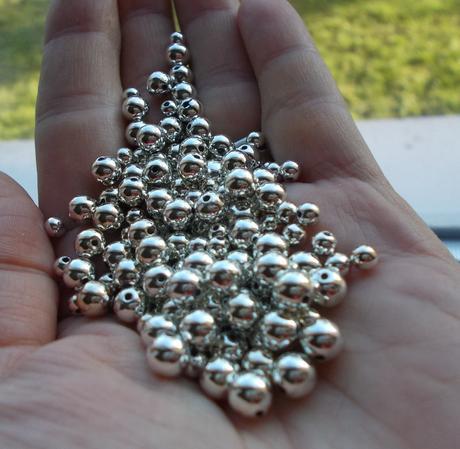 voskované perličky strieborné,