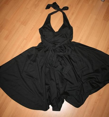 Čierne šaty, L