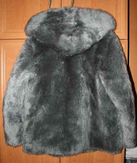 Kabát z umelej kožušiny s kapucňou, XL