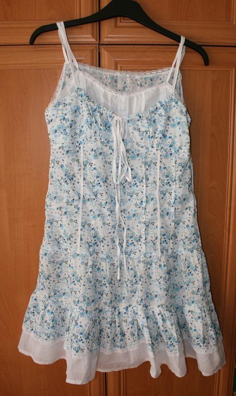 Kvietkované šaty, L