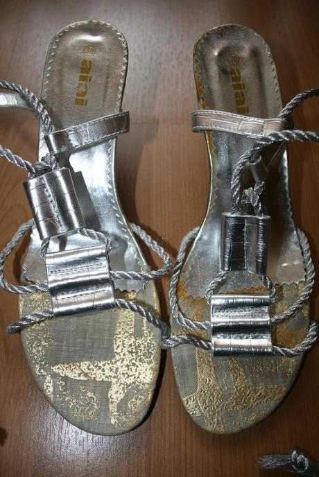 Strieborne sandále, 39