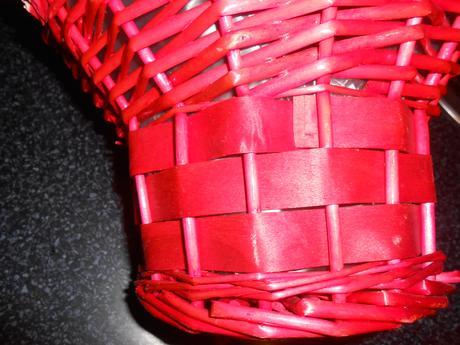 prútený košík,
