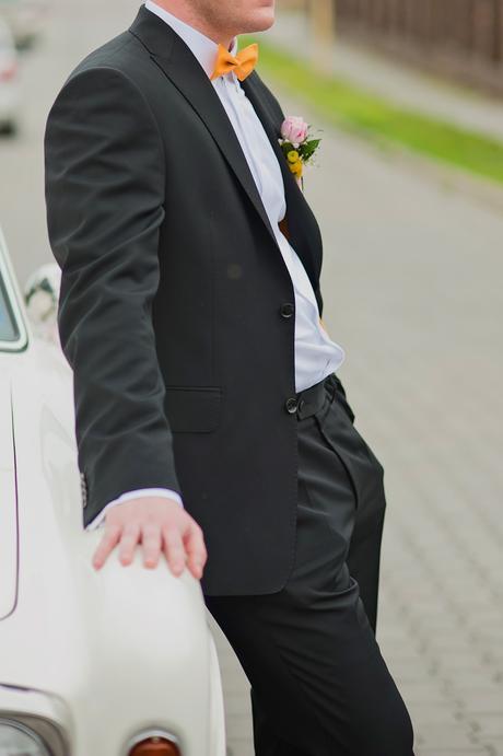 Oblek svadobny, 52