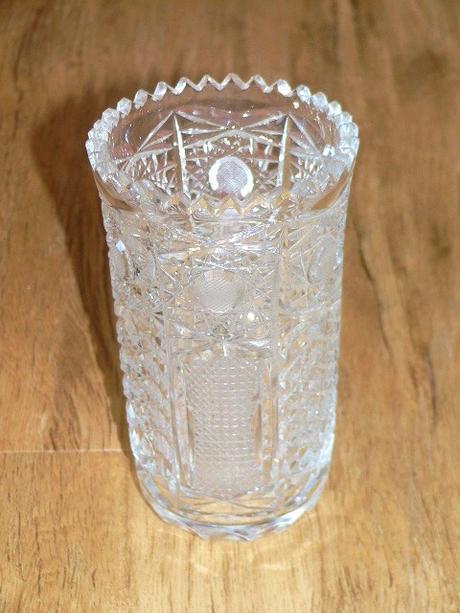 broušná váza,