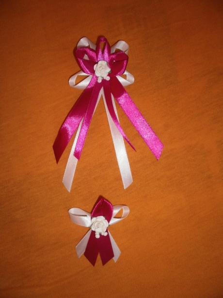 Cyklaménové pierka s ružičkami - 29 ks malé,