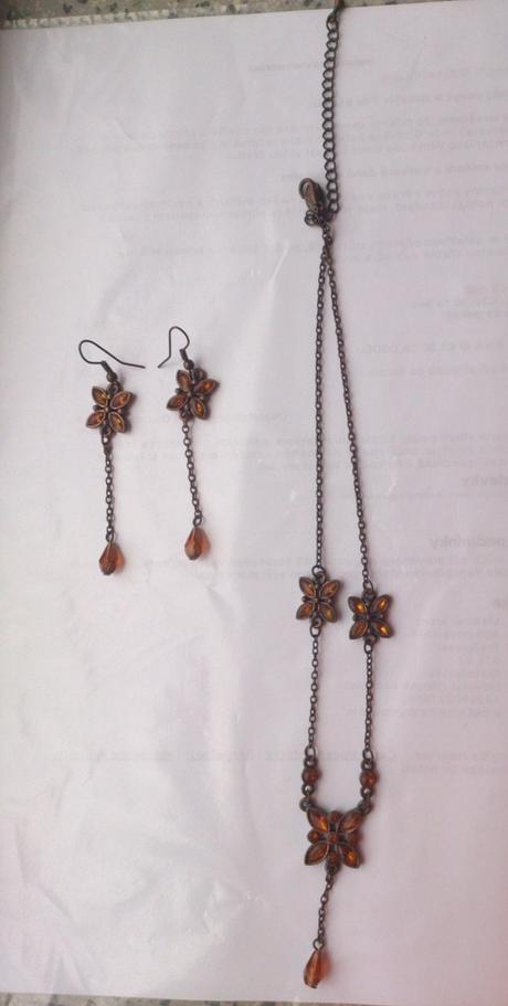 Set - náušnice + náhrdelník,