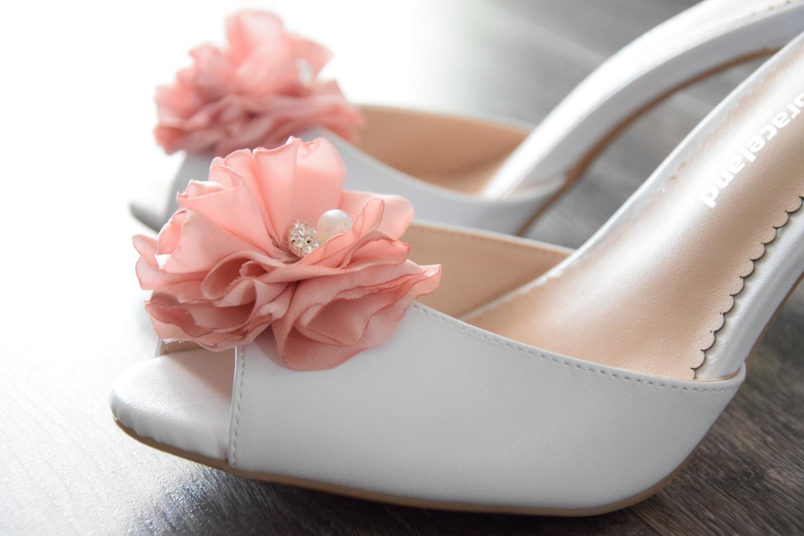 c02002d813f8 Svadobné topánky -