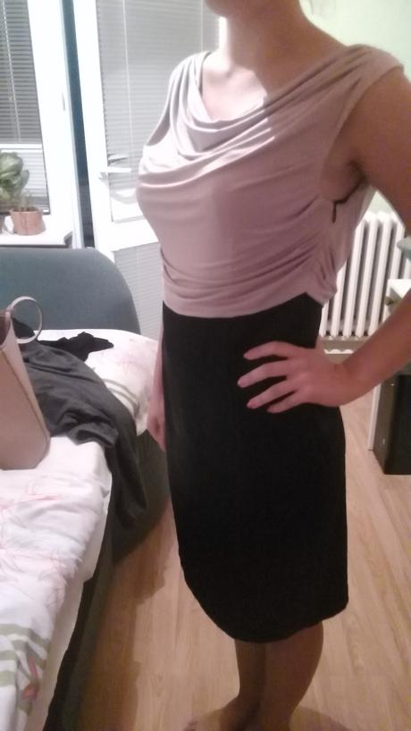 Spoločenské šaty čierno-staroružovej farby., 38