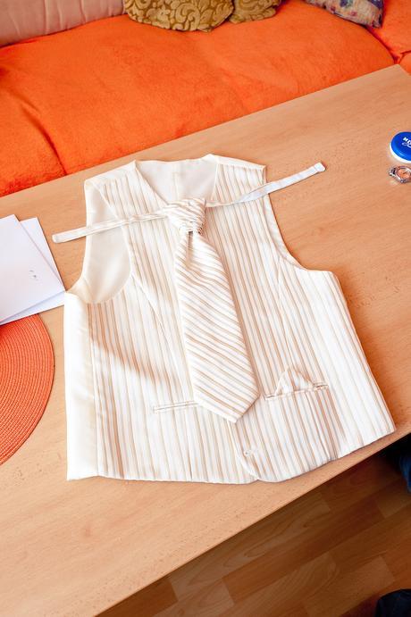vesta s francúzskou kravatou veľkosť 52- 54, 52