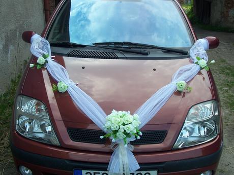 Svatební dekorace na auto ,