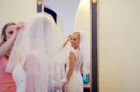 Exkluzivní svatební šaty s krajkou, 38