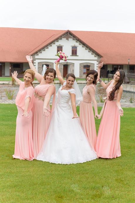 Princeznovské šaty s odopínateľnou vlečkou 36, 38