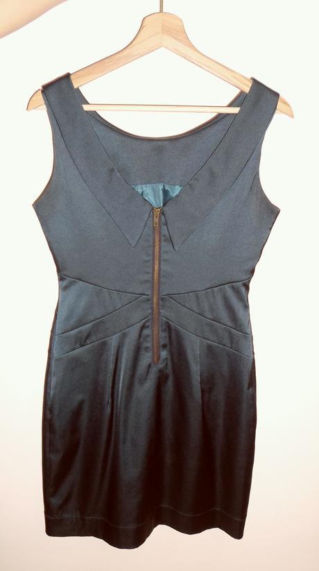 Saténové šaty smaragdovej farby, 36