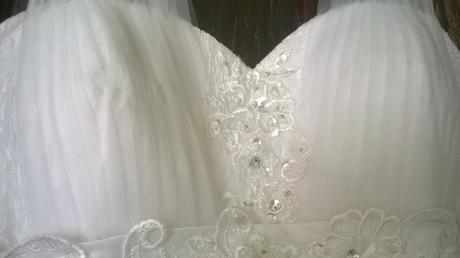 Tehotenské svadobné šaty, 46