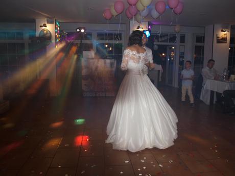 Šaty Allure Bridal, 42