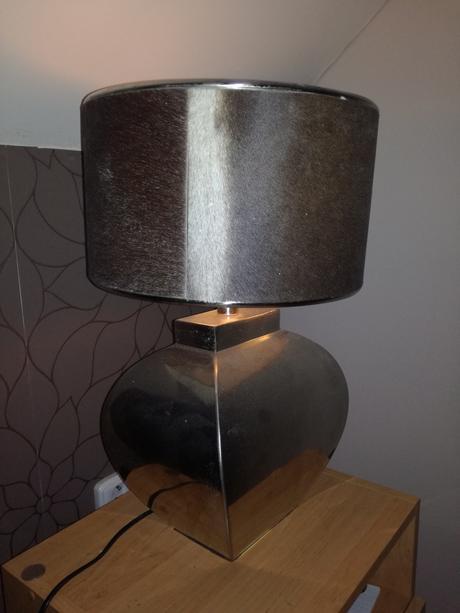 Stolní lampa,