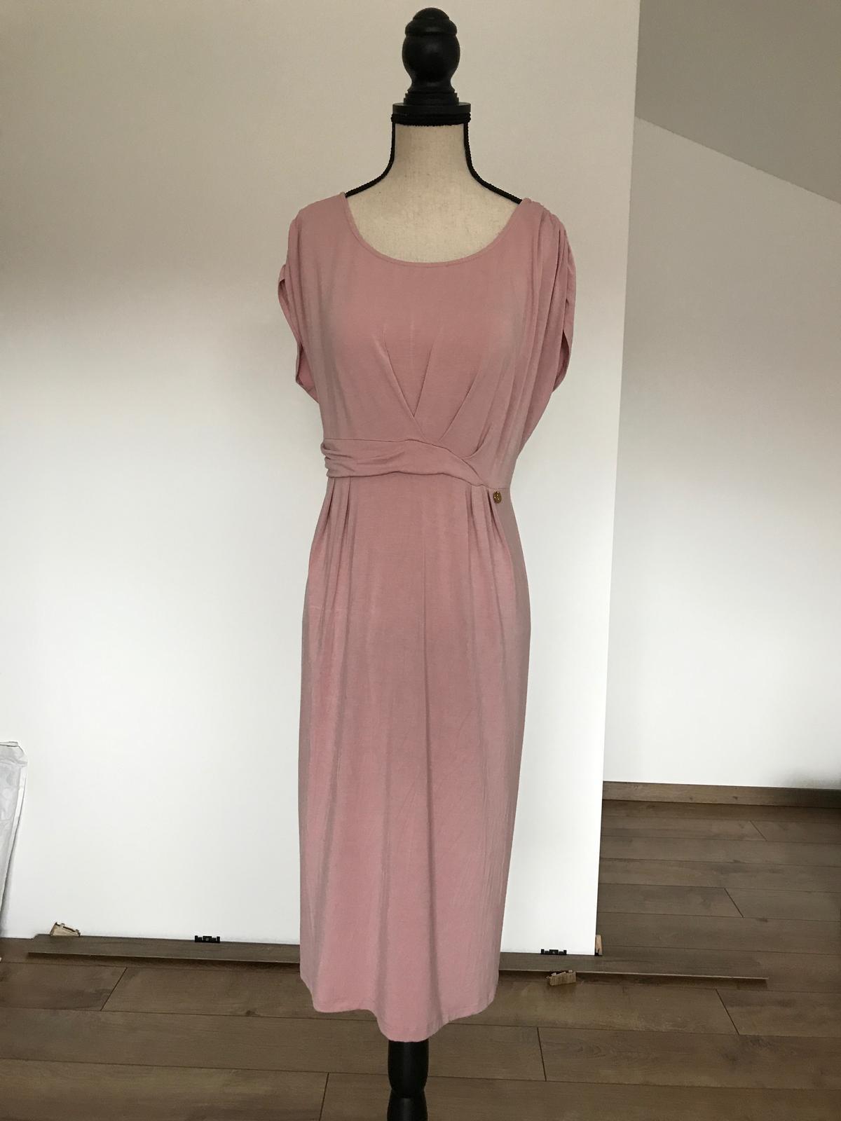709b4cc65d3d Pudrové šaty