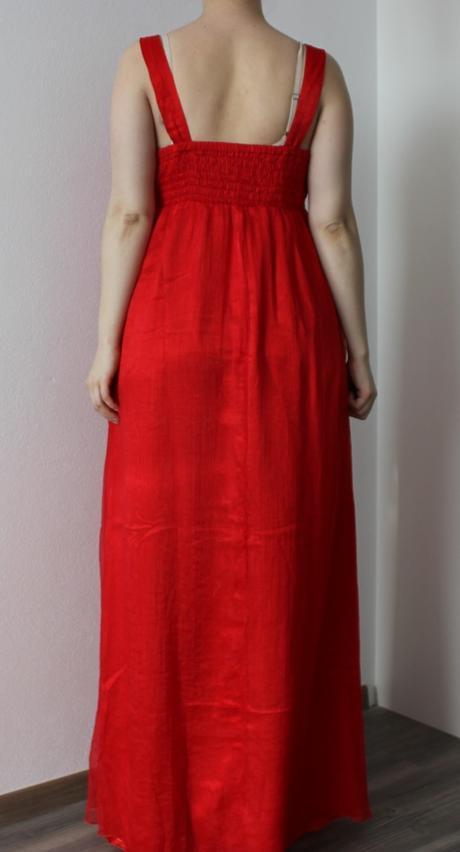 Dlhé spoločenské šaty, 44
