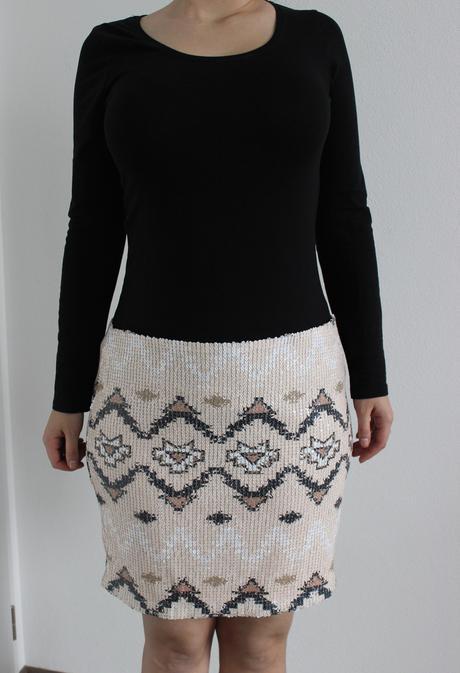 Flitrovaná suknička, XL