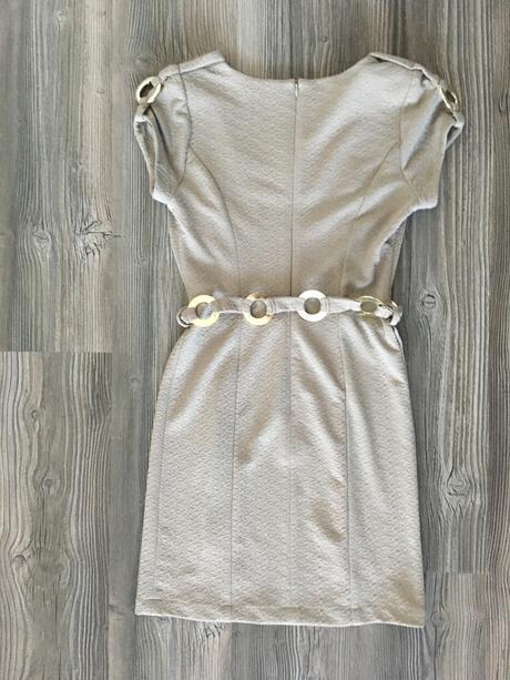 Strečové masľové šaty, M