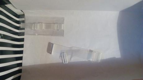 Biela podprsenka s vymeniteľnými ramienkami, 95B