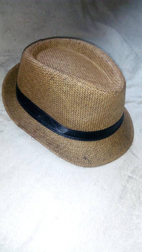 Hnedy klobuk,