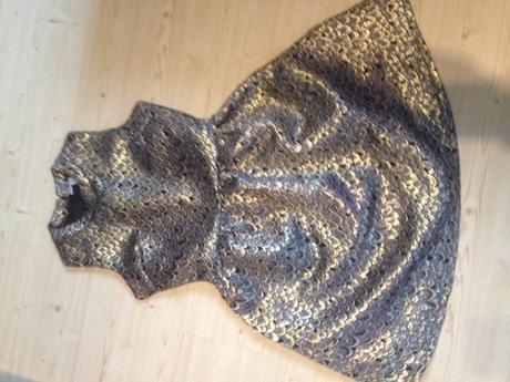 společenské šaty, 34