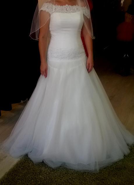 Svadobné šaty+závoj, 40
