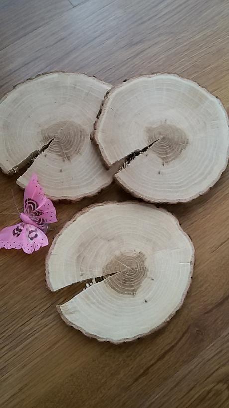 Dřevěné kolečka na stul ,