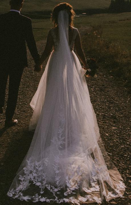 217b62cf69a5 Jedinečné svadobné šaty