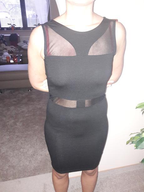 černé šaty ke kolenům , 34