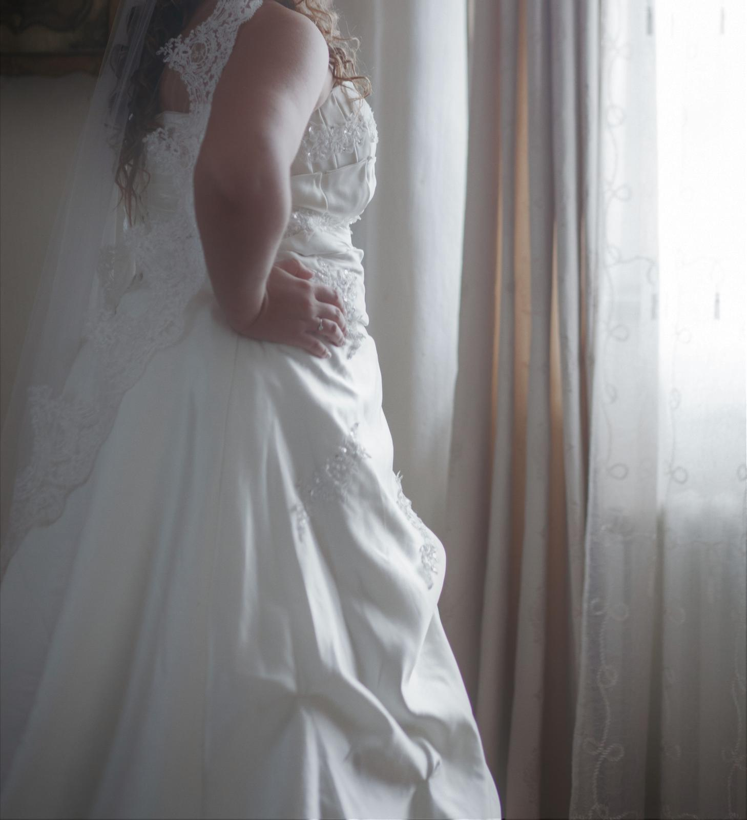Plus size svadobné šaty s vlečkou 83d5f78487a