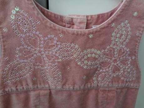 Slavnostní šaty pro malou princeznu, Next, 98