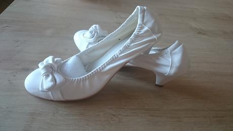 Biele topánky na nízkom opätku, 41
