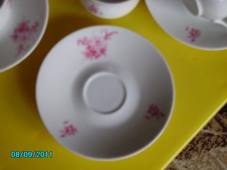 12 dielna porcelánová súprava šálok,