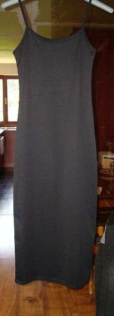 Čierne šaty, 38