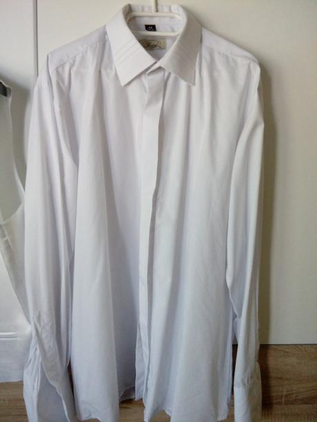 Biela košeľa, 44