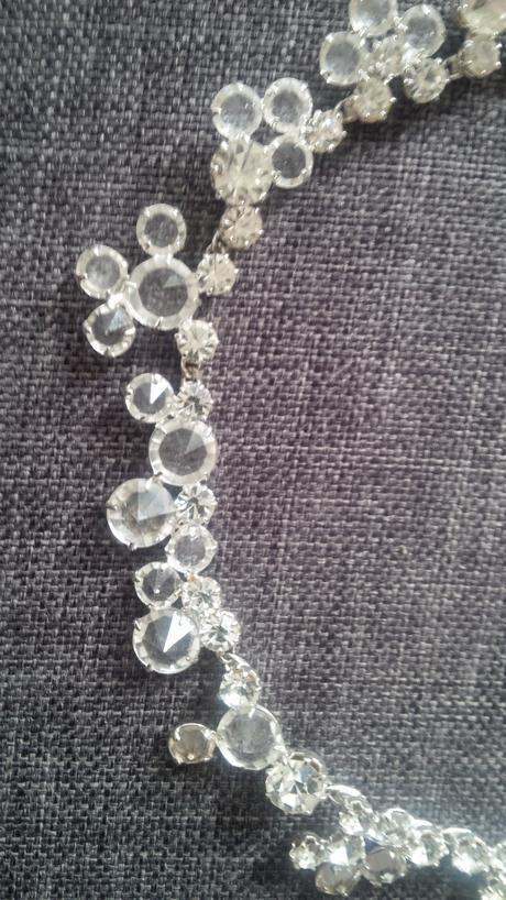 Sada náhrdelník a náušnice,