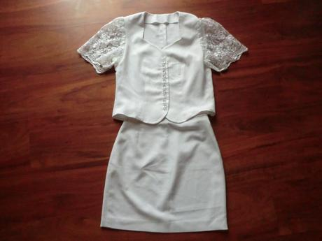 Bílý kostýmek nejen pro nevěstu, 36