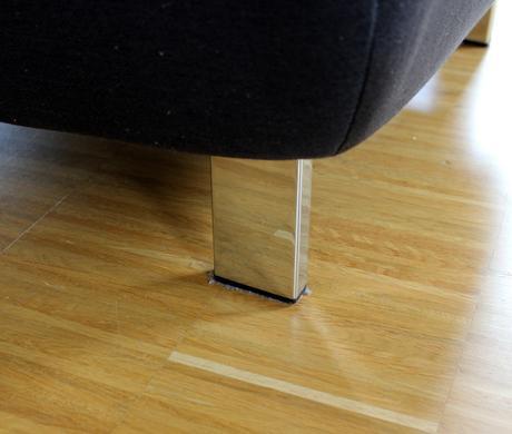 Kvalitná taburetka/podnožka,