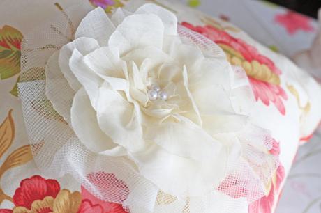 Ivory kvetinový fascinátor,