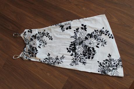 čiernobiele letné šaty, M