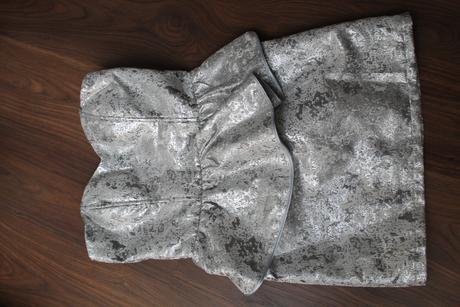 Peplum šaty, 38