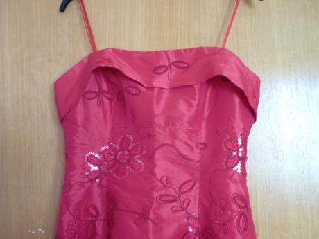 Červené šaty 38, 40